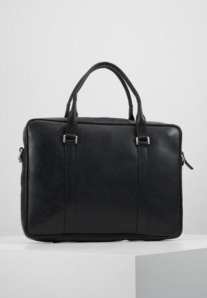 PIONEER SINGLE DAY BAG - Portafolios - black