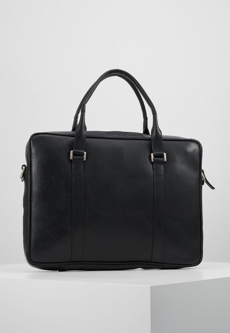 Royal RepubliQ - PIONEER SINGLE DAY BAG - Briefcase - black