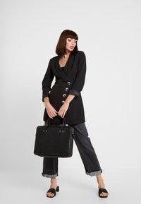 Royal RepubliQ - PIONEER SINGLE DAY BAG - Briefcase - black - 6