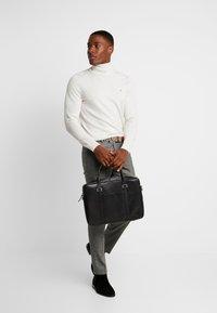 Royal RepubliQ - PIONEER SINGLE DAY BAG - Briefcase - black - 1