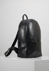 Royal RepubliQ - EXPLORER BACKPACK - Plecak - black - 3