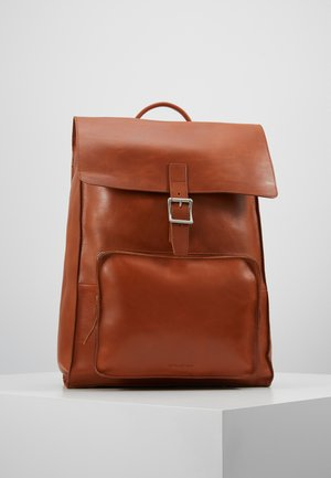 RIOT BACKPACK - Reppu - cognac
