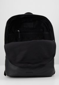 Royal RepubliQ - SEEKER BACKPACK - Reppu - black - 4
