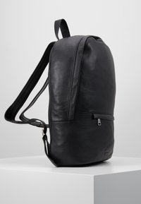 Royal RepubliQ - SEEKER BACKPACK - Reppu - black - 3