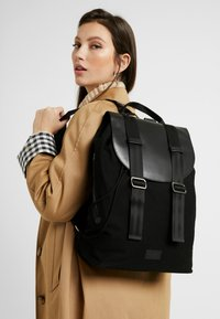 Royal RepubliQ - VERGEBACKPACK - Reppu - black - 5