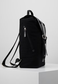 Royal RepubliQ - VERGEBACKPACK - Reppu - black - 3