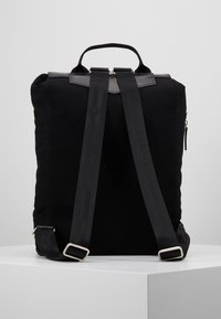 Royal RepubliQ - VERGEBACKPACK - Reppu - black - 2
