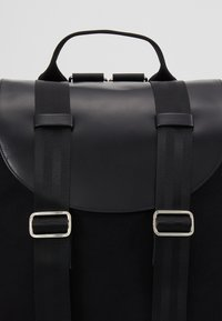 Royal RepubliQ - VERGEBACKPACK - Reppu - black - 7