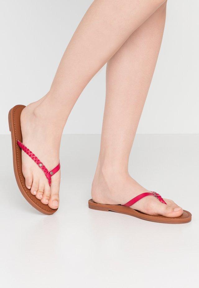 Sandály s odděleným palcem - red