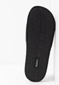 Roxy - SLIPPY  - Pantofle - black - 6
