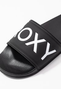 Roxy - SLIPPY  - Pantofle - black - 2