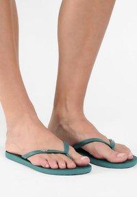 Roxy - VIVA  - Pool shoes - dark green - 0