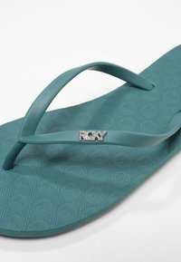 Roxy - VIVA  - Pool shoes - dark green - 6