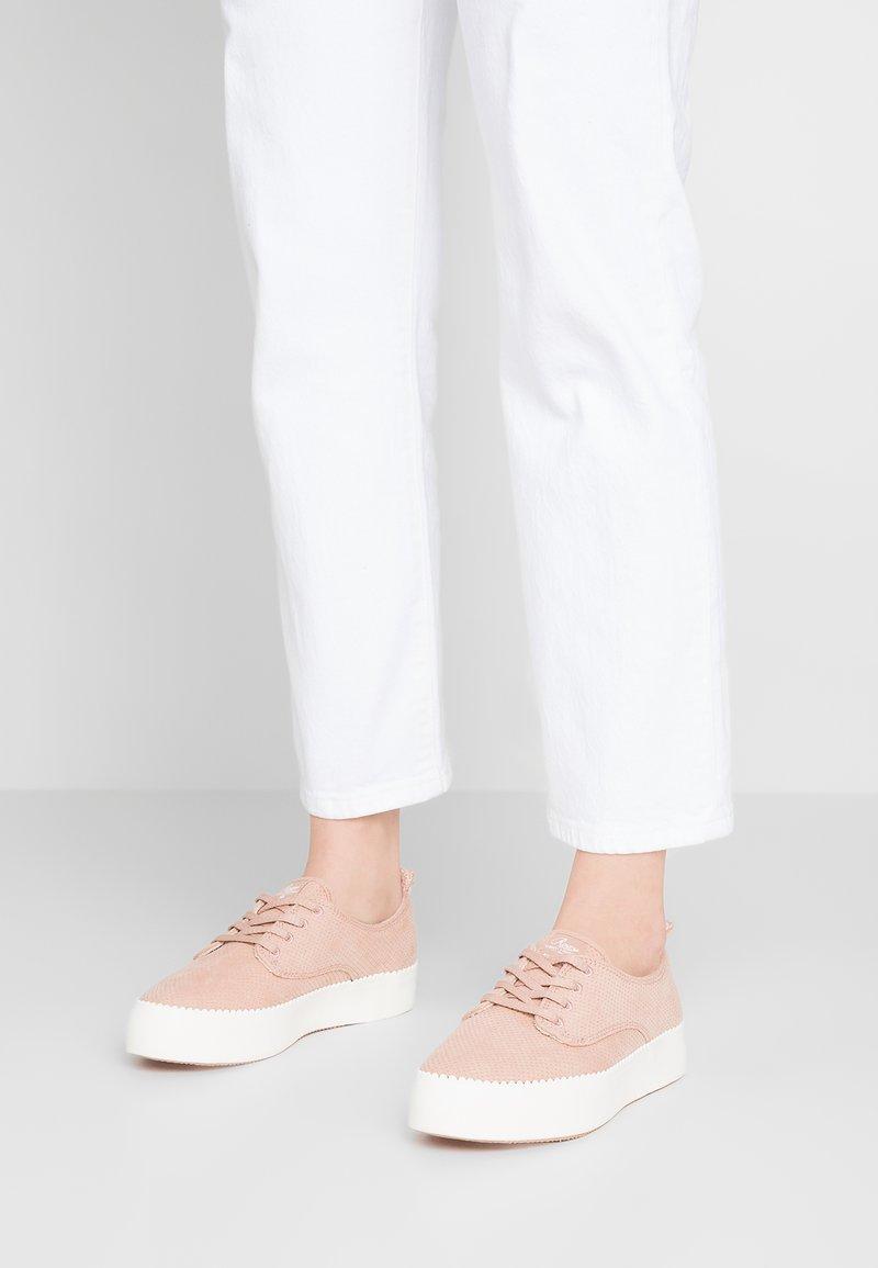 Roxy - SHAKA  SHOE - Sneaker low - blush