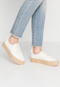 Roxy - SHAKA - Loafers - white - 0