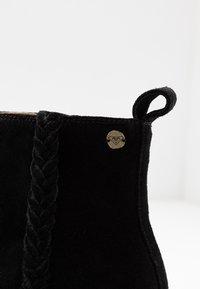 Roxy - ESTEZ BOOT - Classic ankle boots - black - 2