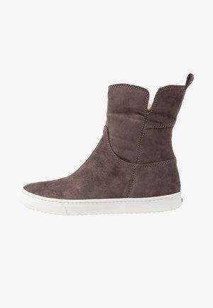 BELLAMY BOOT - Kotníkové boty - charcoal