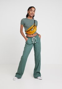 Roxy - OCEANSIDE PANT - Pantalon classique - duck green - 1