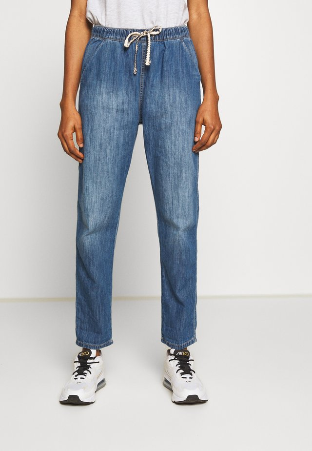 SLOW SWELL PANT - Tygbyxor - medium blue