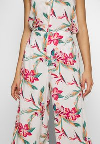 Roxy - BESIDE ME - Trousers - snow white tropic call - 5