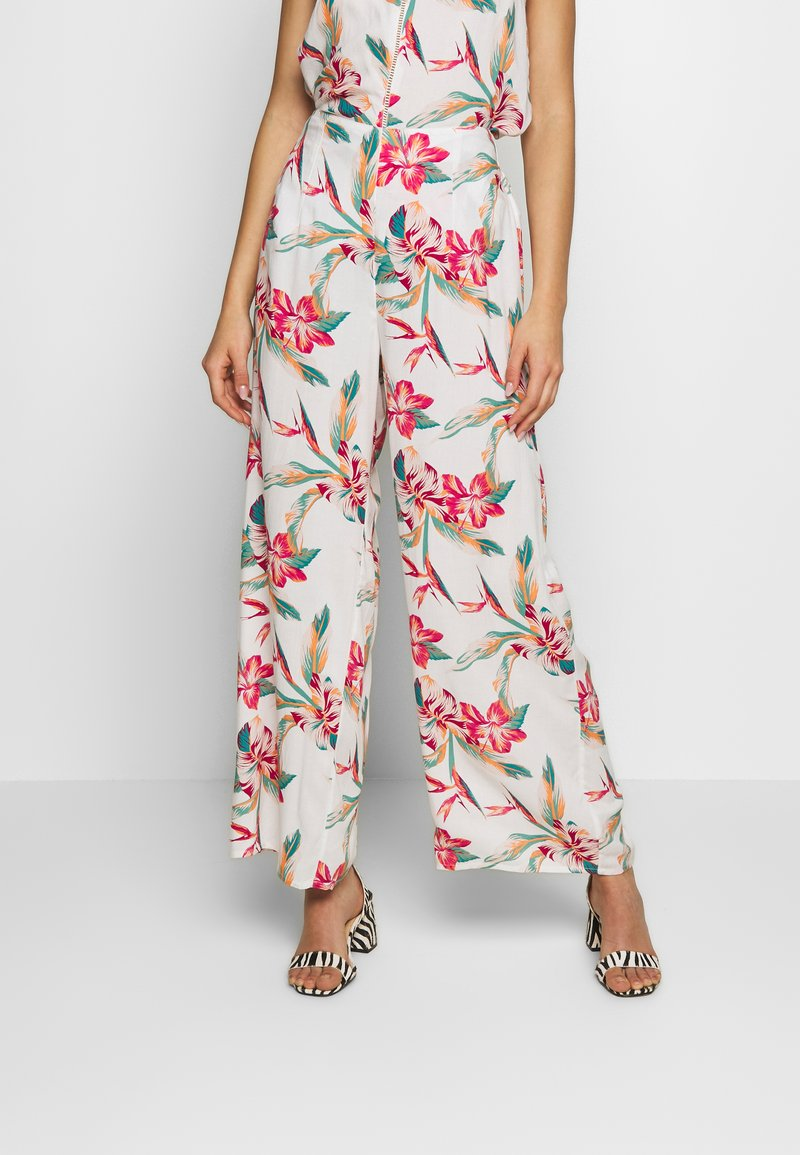 Roxy - BESIDE ME - Trousers - snow white tropic call
