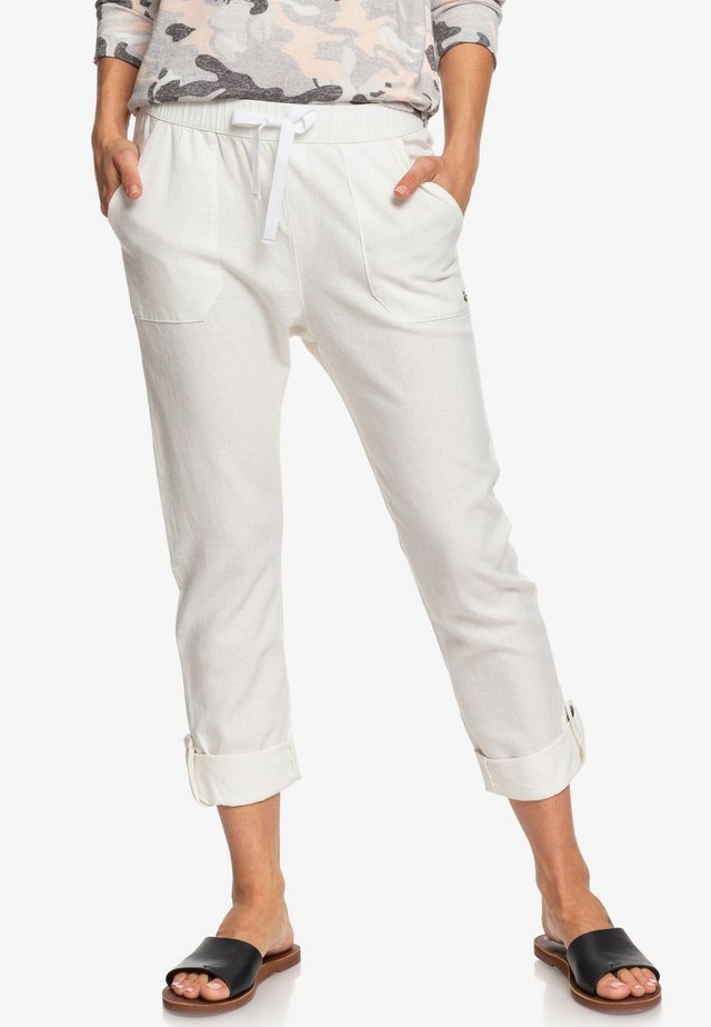 ON THE SEASHORE - Trousers - snow white