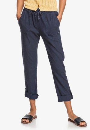 ON THE SEASHORE - Trousers - mood indigo