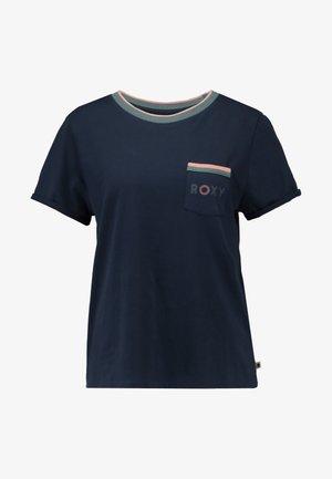 BROKEN LINES - Print T-shirt - mood indigo