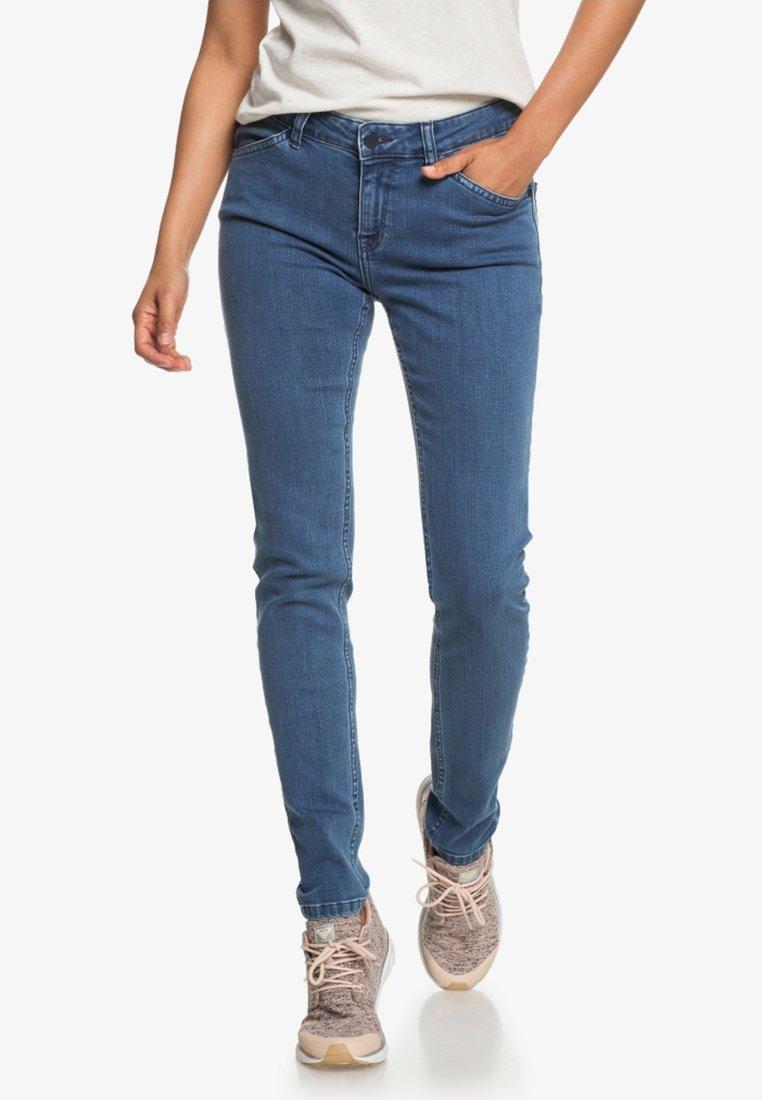 Roxy - CRAZY MAZE   - Slim fit jeans - medium blue