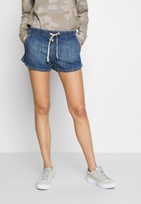 Roxy - GO TO THE BEACH - Denim shorts - medium blue - 0