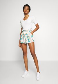 Roxy - Shorts - snow white honolulu - 1
