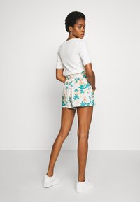 Roxy - Shorts - snow white honolulu - 2