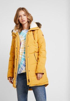 ELLIE - Vinterkåpe / -frakk - spruce yellow