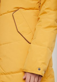 Roxy - ELLIE - Winter coat - spruce yellow - 6
