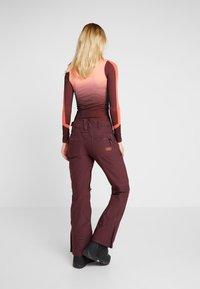 Roxy - CABIN - Pantaloni da neve - grape wine - 2
