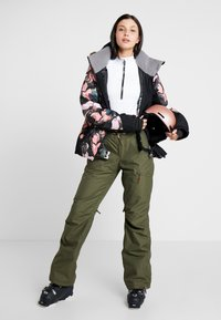 Roxy - NADIA  - Snow pants - ivy green - 1