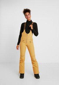 Roxy - SUMMIT  - Skibroek - spruce yellow - 0