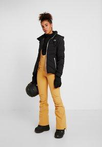 Roxy - SUMMIT  - Skibroek - spruce yellow - 1
