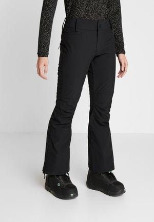 CREEK SHORT - Spodnie narciarskie - true black