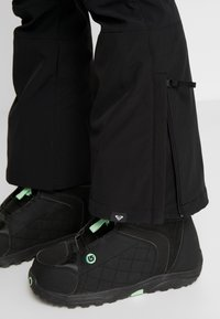 Roxy - CREEK SHORT - Ski- & snowboardbukser - true black - 6