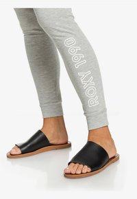 Roxy - CLOUD  - Tracksuit bottoms - grey - 3