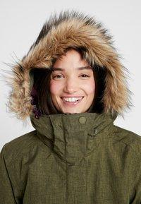 Roxy - JET SKI SOLID - Snowboardová bunda - ivy green - 5