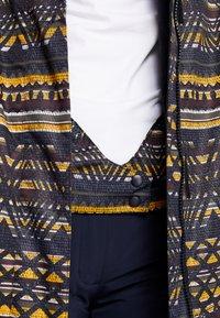 Roxy - JETTY JK - Snowboard jacket - true black - 3