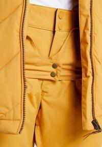 Roxy - QUINN  - Snowboardjas - spruce yellow - 7