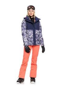 Roxy - ERJTJ - Snowboardjacke - dark blue - 1