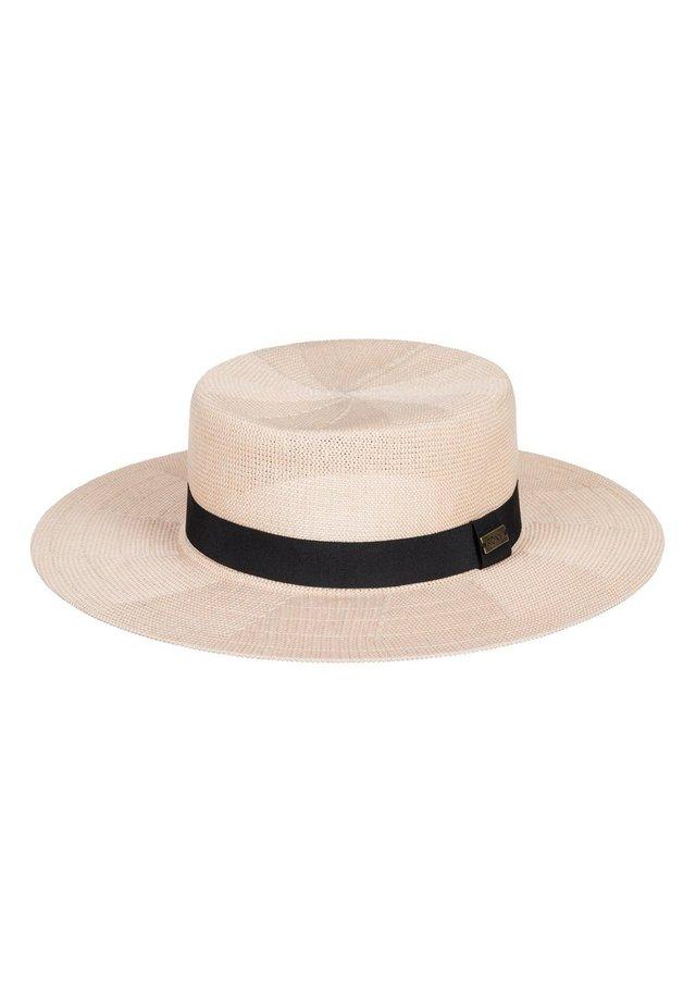 Hat - ivory cream