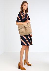 Roxy - BREAK THINGS - Tote bag - taupe - 1