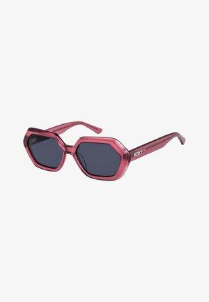 ROSELYN - Sunglasses - shiny crystal raspberry/grey
