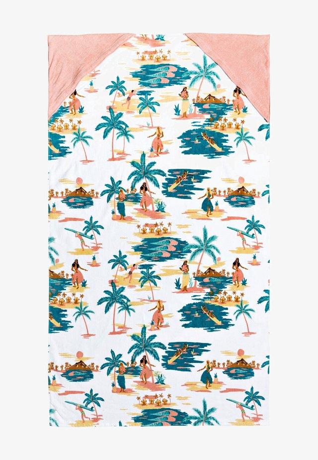 Beach towel - bright white honolulu s