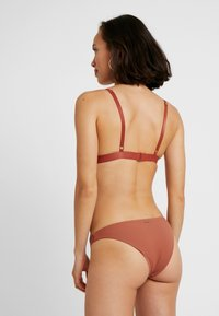 Roxy - SISTERS MOD BOTTOM - Bikini bottoms - copper brown
